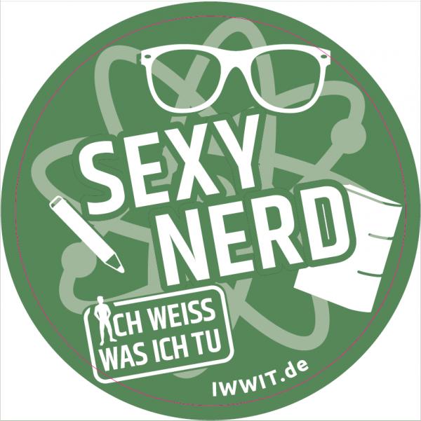"""Grüner Hintergrund. Zeichnung eines Atoms, Brille und Bleistift. Titel """"Sexy Nerd"""" aus der Kampagne """"Ich weiss was ich tu"""""""