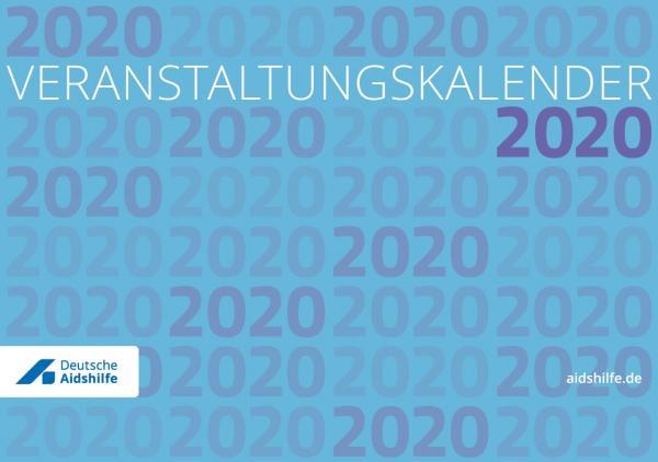 """Blauer Hintergrund. Über die ganze Seite ist das JAhr 2020 abgedruckt. Titel """"Veranstaltungskalender 2020"""""""