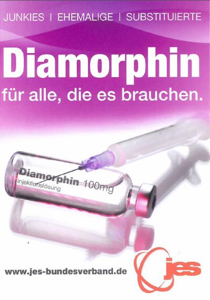 """Spritze Abgelegt auf einer Ampulle mit der Aufschrift """"Diamorphin"""" - Überschrift """"Diamorphin für alle, die es brauchen."""""""