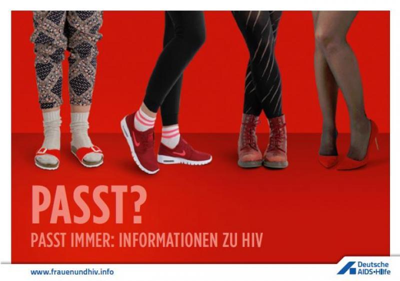 """Vier Paar Frauenbeine mit verschiedenen, roten Schuhen. Titel """"Passt? Passt immer: Informationen zu HIV"""""""