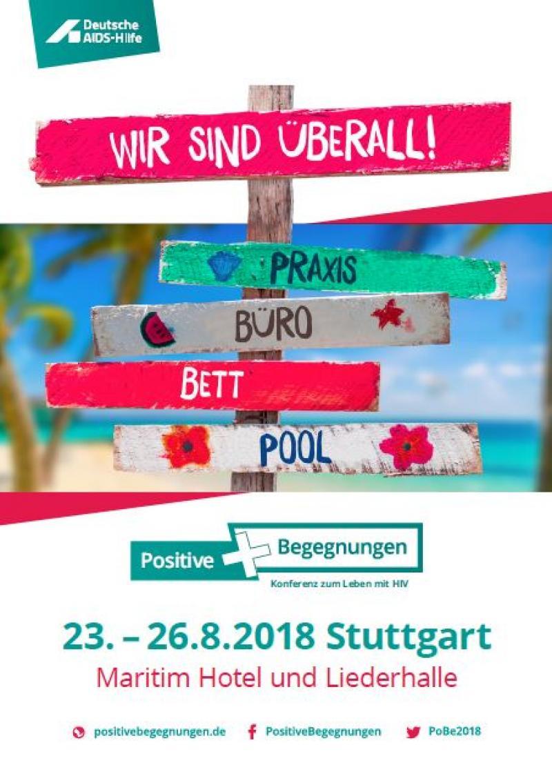 """Wegweise mit Schildern """"Wir sind überall"""", """"Praxis"""", """"Büro"""", """"Bett"""", """"Pool"""" und Datum für die PoBe 2018 in Stuttgart"""