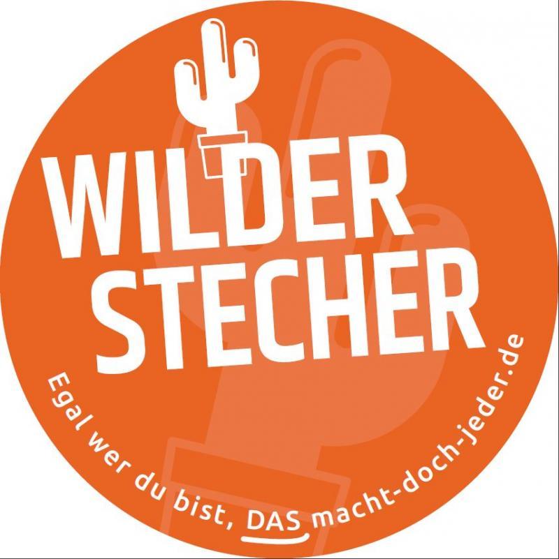 Weißer Text auf orangem Hintergrund: Wilder Stecher
