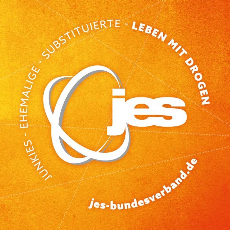 Oranger Hintergrund. Logo von JES. Leben mit Drogen und Adresse der Website