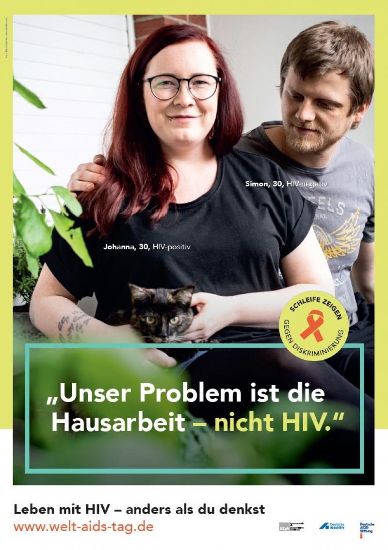 """Bild der Welt-Aids-Tag-Rollenmodelle Johanna und Simon. Titel """"Unser Problem ist die Hausarbeit - nicht HIV"""""""