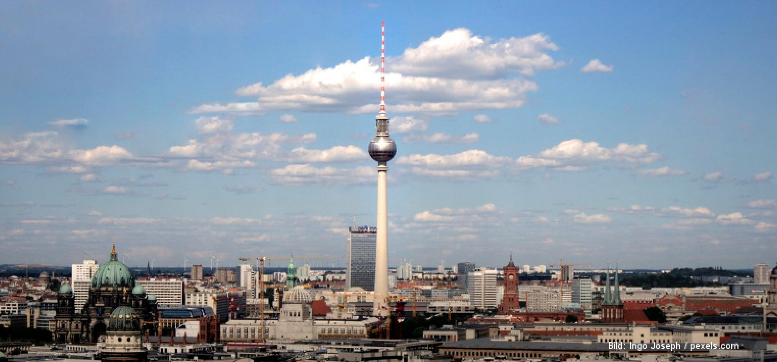 Panorama von Berlin, in der Mitte der Fernsehturm